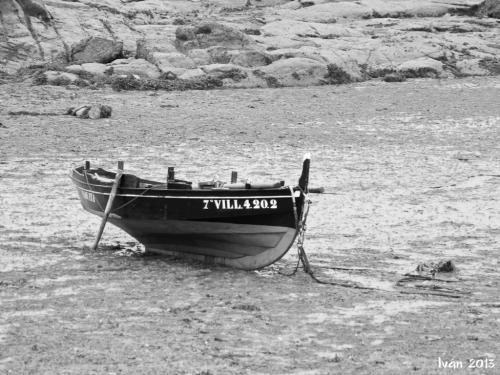 Barca en marea baja